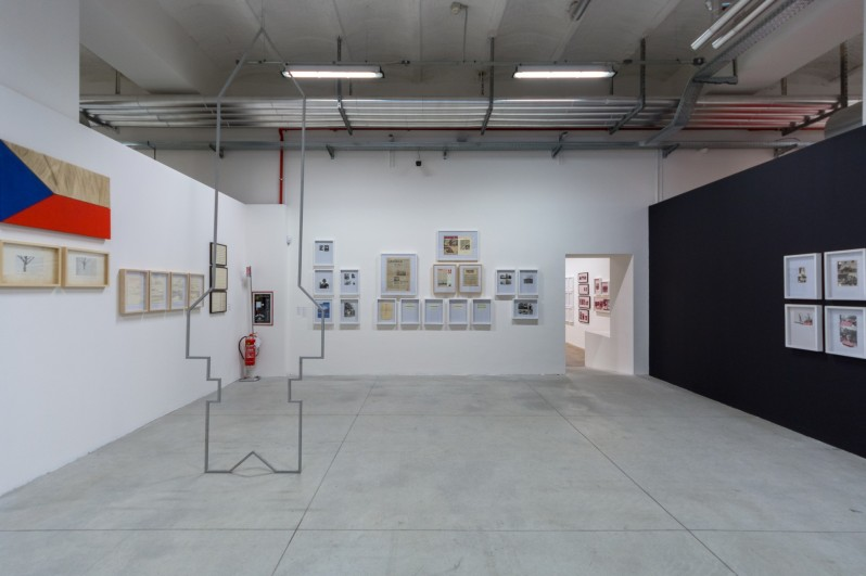 installation-view-non-aligned-modernity-exhibition-photos-by-andrej-sapric-13