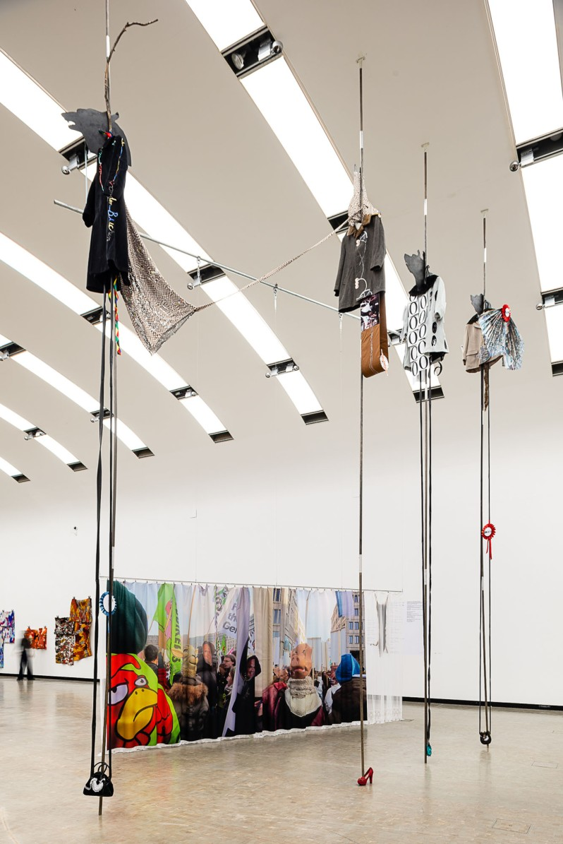 group-show-at-kunsthalle-wien-curated-by-whw-11